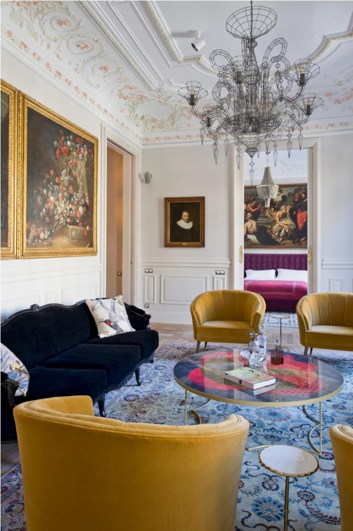 Apartamento de arte en Barcelona decorado con piezas de BRABBU